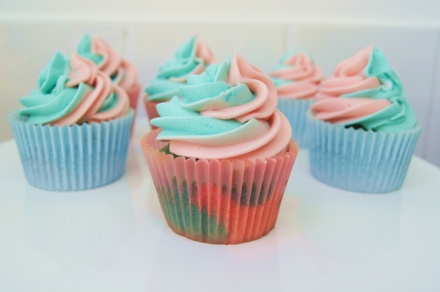 Make It Pink Make It Blue Cupcakes