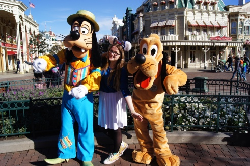 Disneyland Paris Spring Goofy and Pluto
