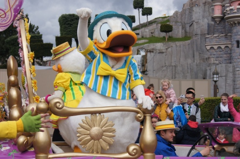 Disneyland Paris Goofy's Garden Party Donald Duck
