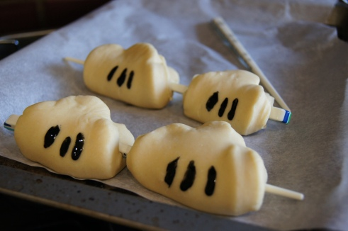 Mickey steamed buns