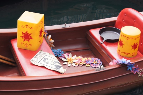 Shanghai Disneyland Tangled boat